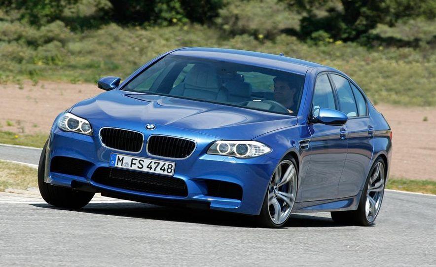 2012 BMW M5 - Slide 2