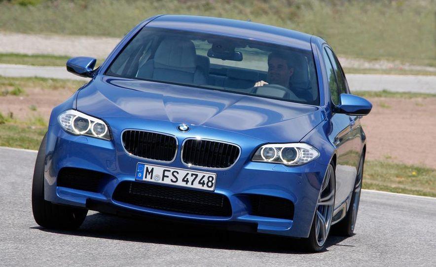 2012 BMW M5 - Slide 3