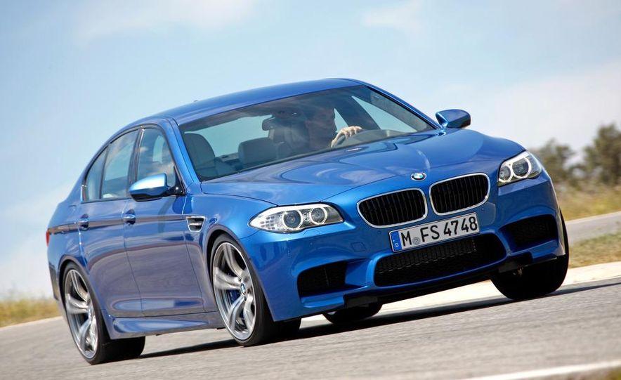 2012 BMW M5 - Slide 4