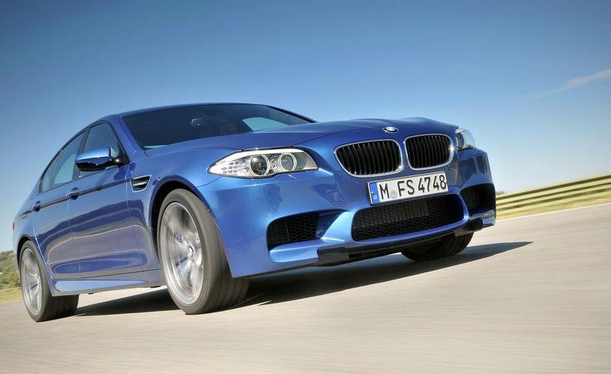 2012 BMW M5 - Slide 35