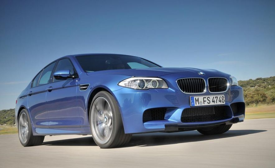 2012 BMW M5 - Slide 6