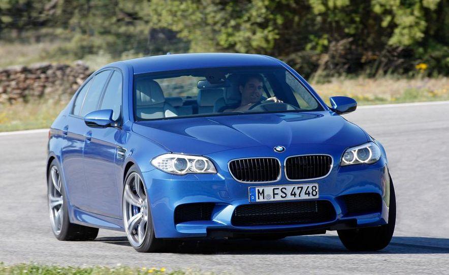 2012 BMW M5 - Slide 36
