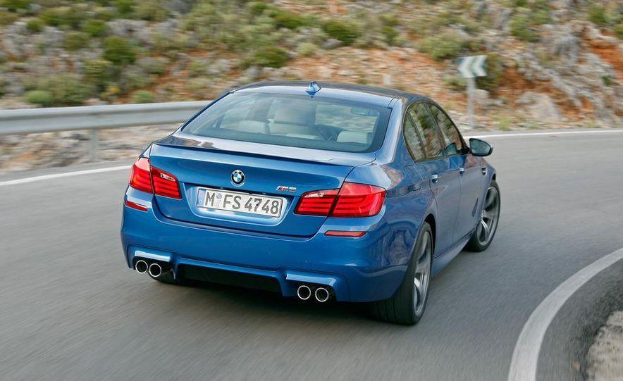 2012 BMW M5 - Slide 37