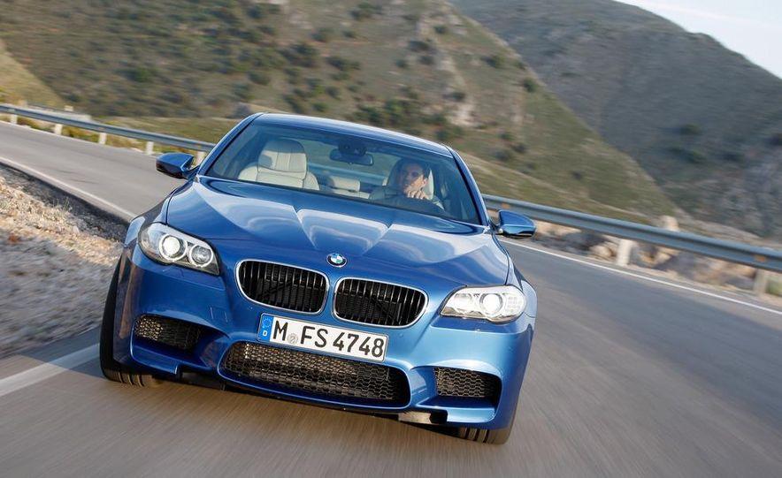 2012 BMW M5 - Slide 11