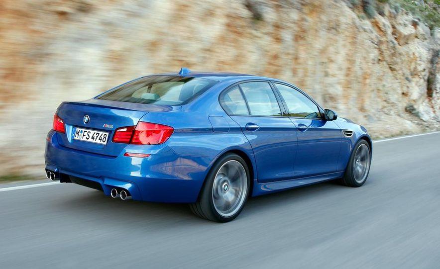 2012 BMW M5 - Slide 26