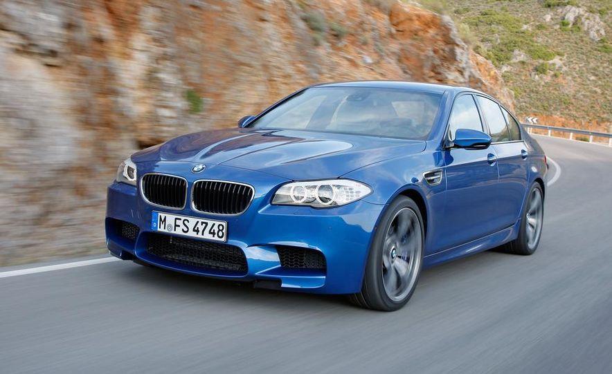 2012 BMW M5 - Slide 38