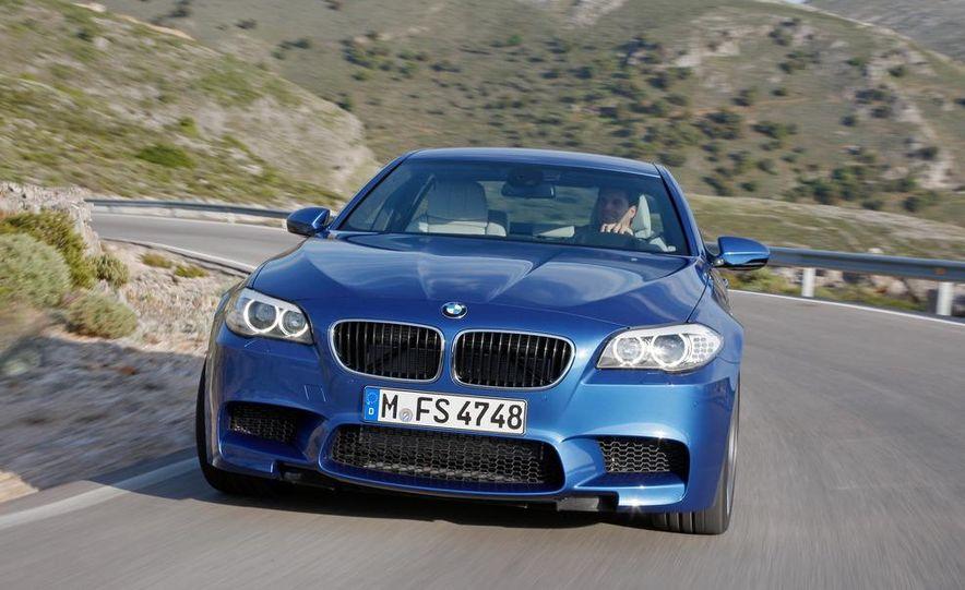 2012 BMW M5 - Slide 12