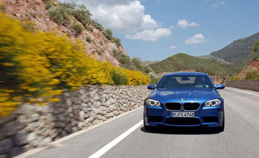 2012 BMW M5 - Slide 13