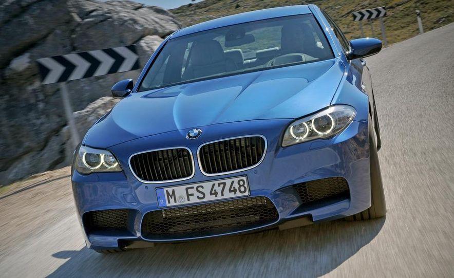 2012 BMW M5 - Slide 14