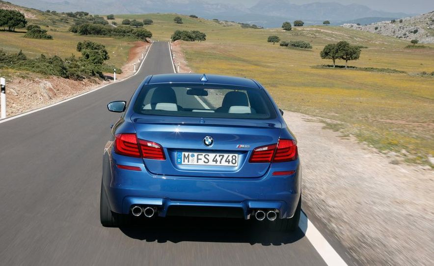 2012 BMW M5 - Slide 39