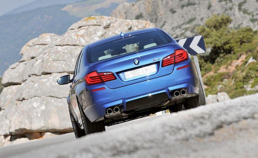 2012 BMW M5 - Slide 41