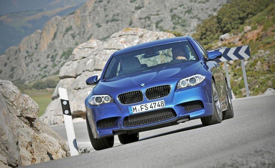 2012 BMW M5 - Slide 15