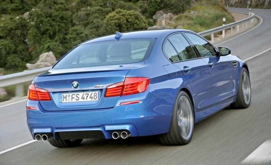 2012 BMW M5 - Slide 27