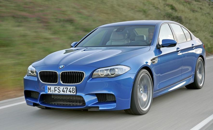 2012 BMW M5 - Slide 16