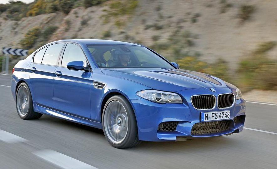 2012 BMW M5 - Slide 42