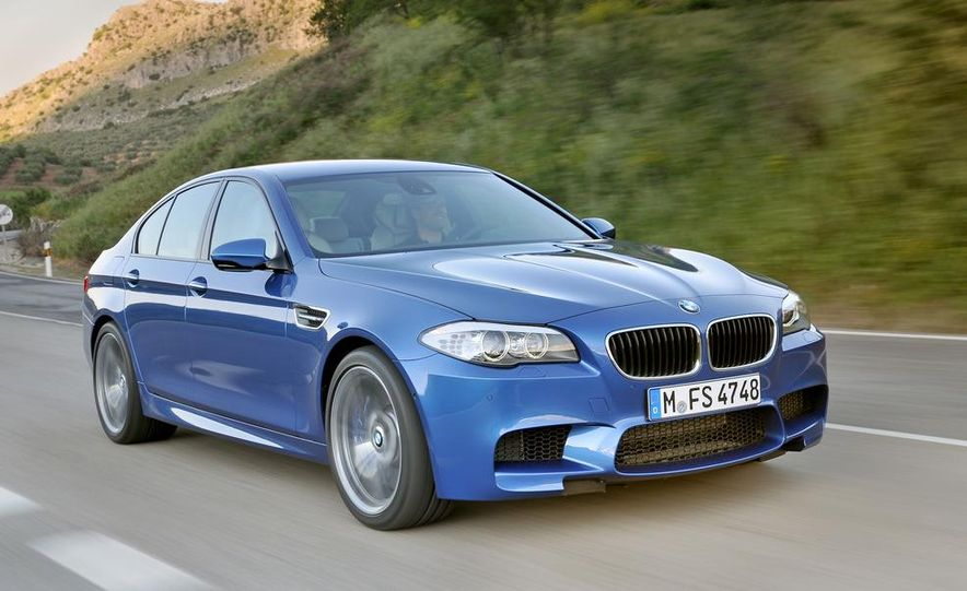 2012 BMW M5 - Slide 43