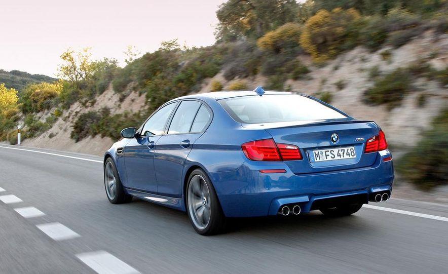 2012 BMW M5 - Slide 46