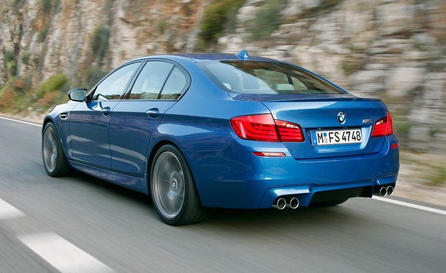 2012 BMW M5 - Slide 29