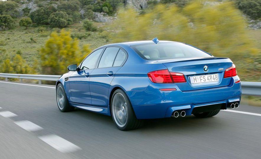 2012 BMW M5 - Slide 48
