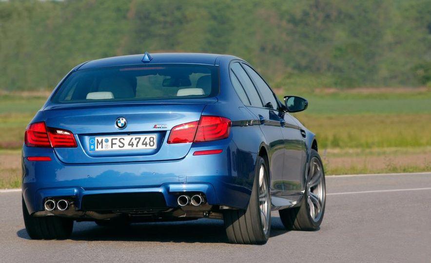 2012 BMW M5 - Slide 50