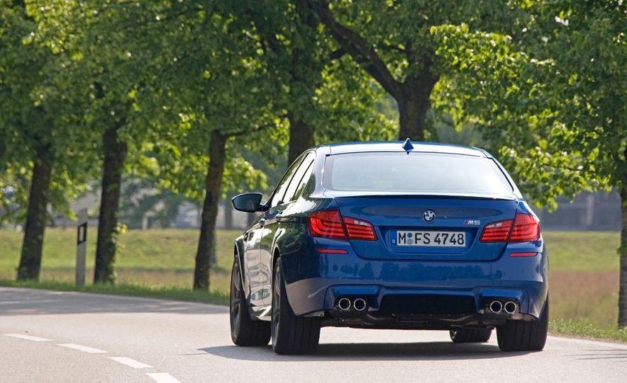 2012 BMW M5 - Slide 52