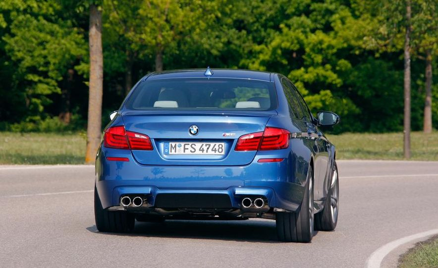 2012 BMW M5 - Slide 20
