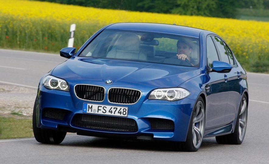 2012 BMW M5 - Slide 22