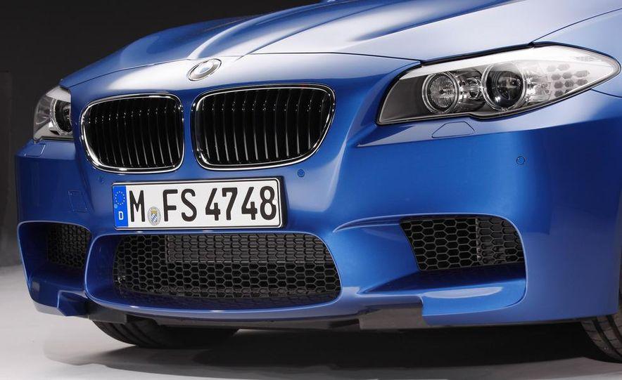 2012 BMW M5 - Slide 58