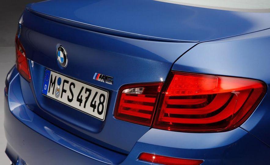 2012 BMW M5 - Slide 65
