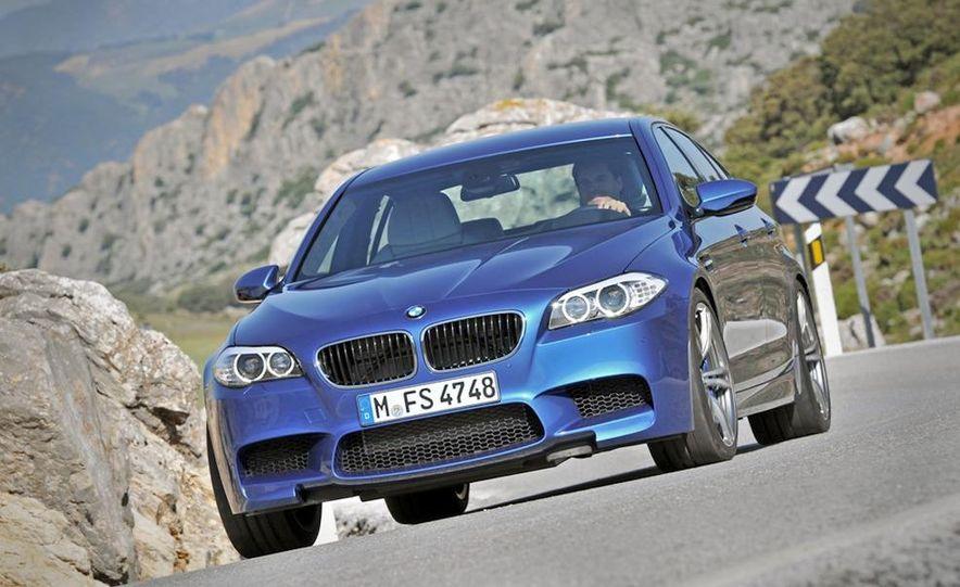 2012 BMW M5 - Slide 54