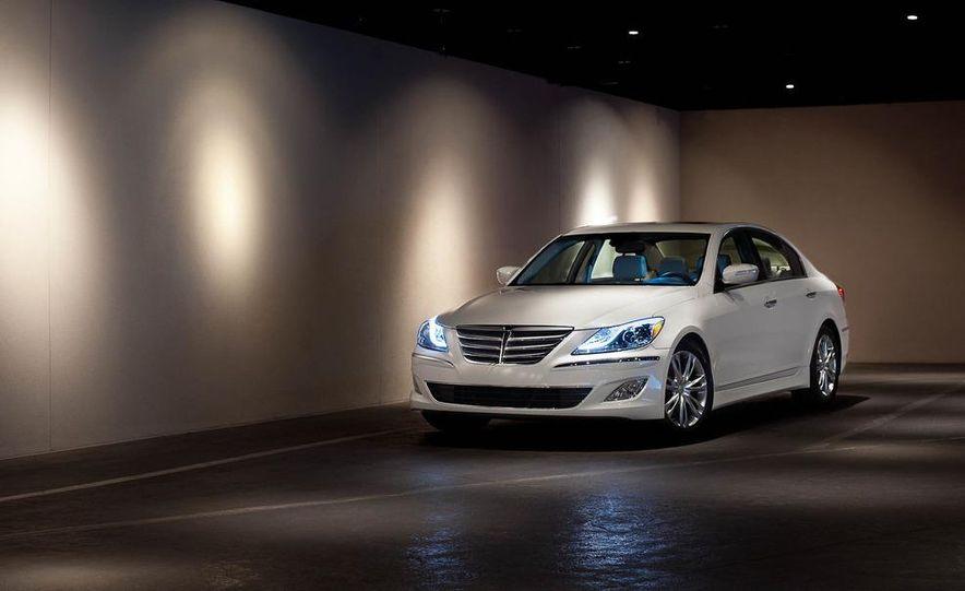2012 Hyundai Genesis 3.8 - Slide 2