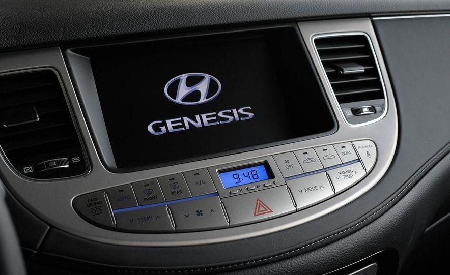 2012 Hyundai Genesis 3.8 - Slide 42