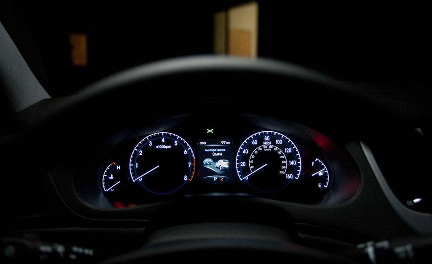 2012 Hyundai Genesis 3.8 - Slide 41