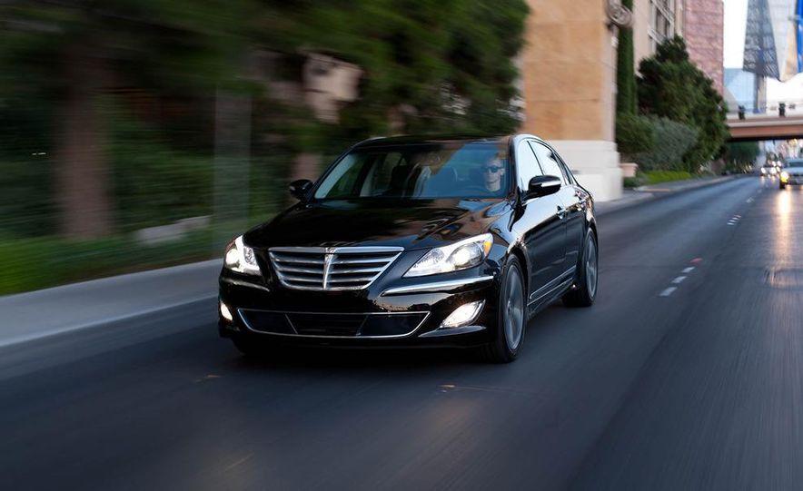 2012 Hyundai Genesis 3.8 - Slide 9