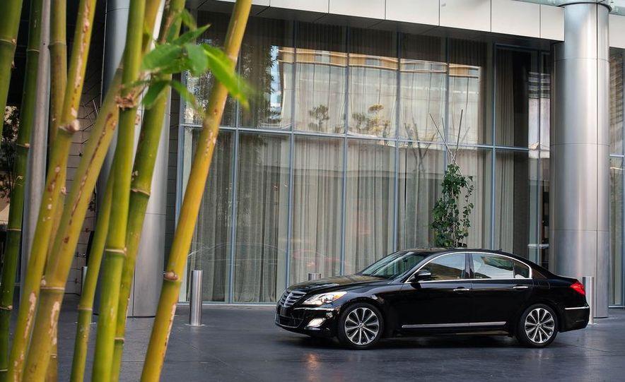 2012 Hyundai Genesis 3.8 - Slide 17