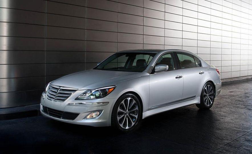 2012 Hyundai Genesis 3.8 - Slide 19