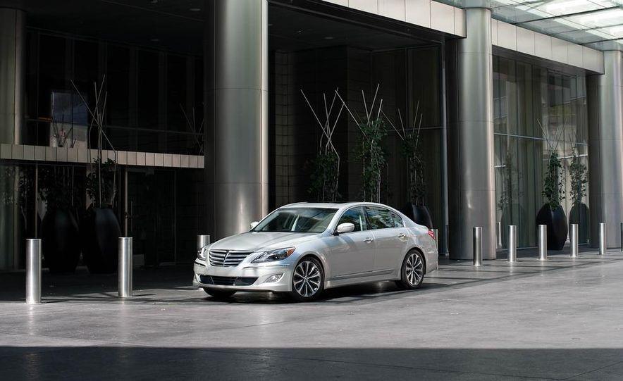 2012 Hyundai Genesis 3.8 - Slide 20