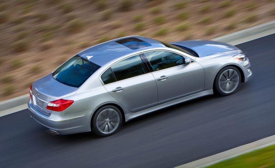 2012 Hyundai Genesis 3.8 - Slide 14