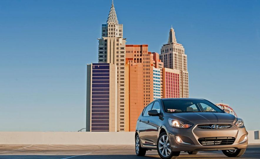 2012 Hyundai Accent hatchback and sedan - Slide 4