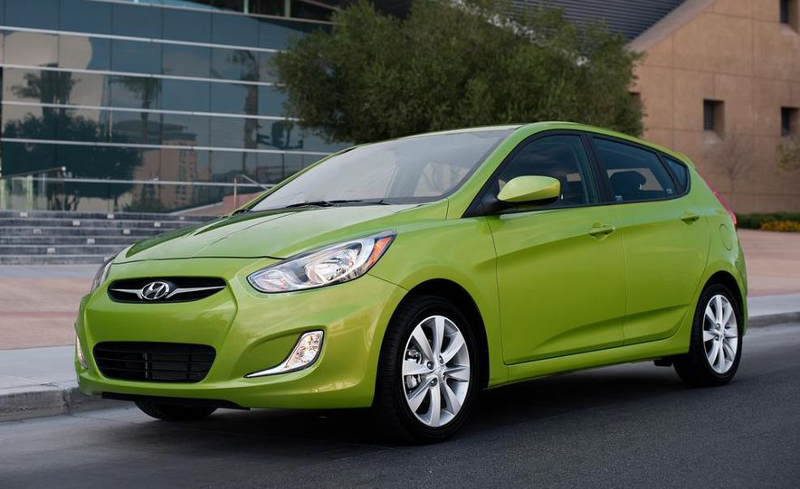 2012 Hyundai Accent hatchback and sedan - Slide 10