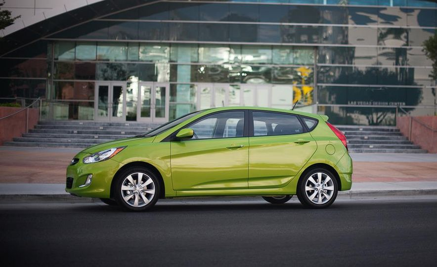2012 Hyundai Accent hatchback and sedan - Slide 11