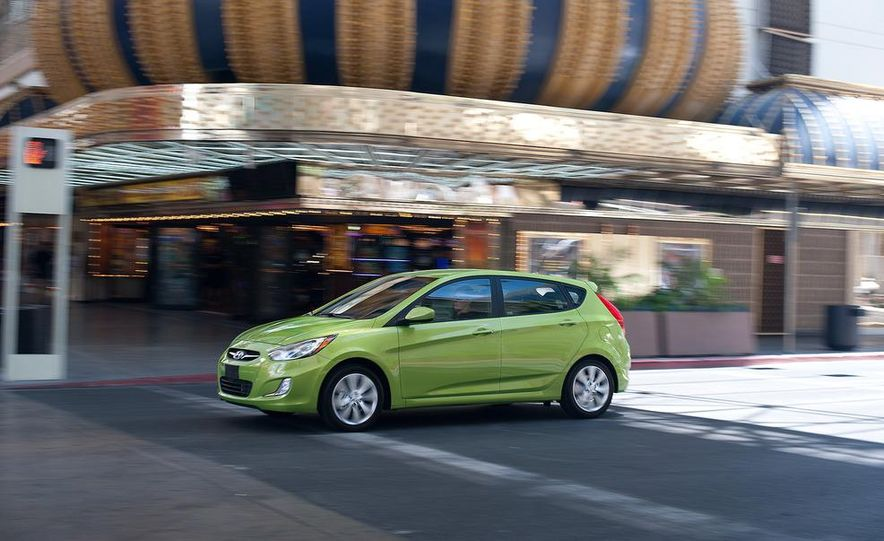 2012 Hyundai Accent hatchback and sedan - Slide 13