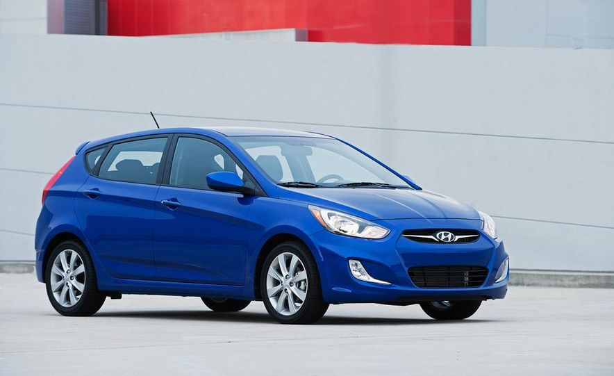2012 Hyundai Accent hatchback and sedan - Slide 17