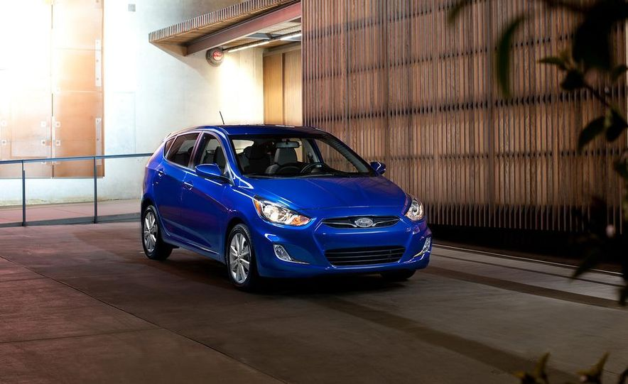 2012 Hyundai Accent hatchback and sedan - Slide 20