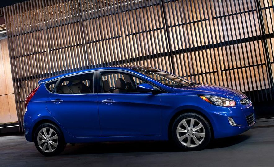 2012 Hyundai Accent hatchback and sedan - Slide 21