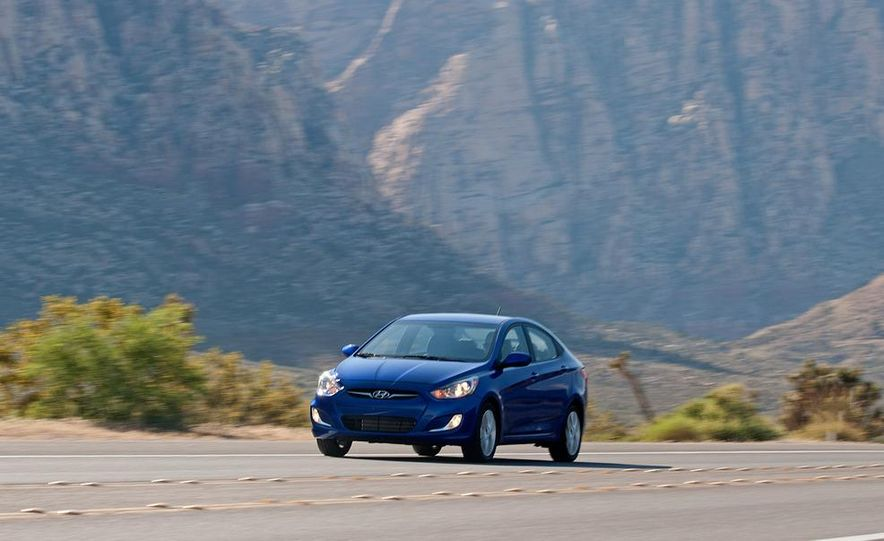 2012 Hyundai Accent hatchback and sedan - Slide 31
