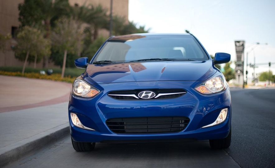 2012 Hyundai Accent hatchback and sedan - Slide 33