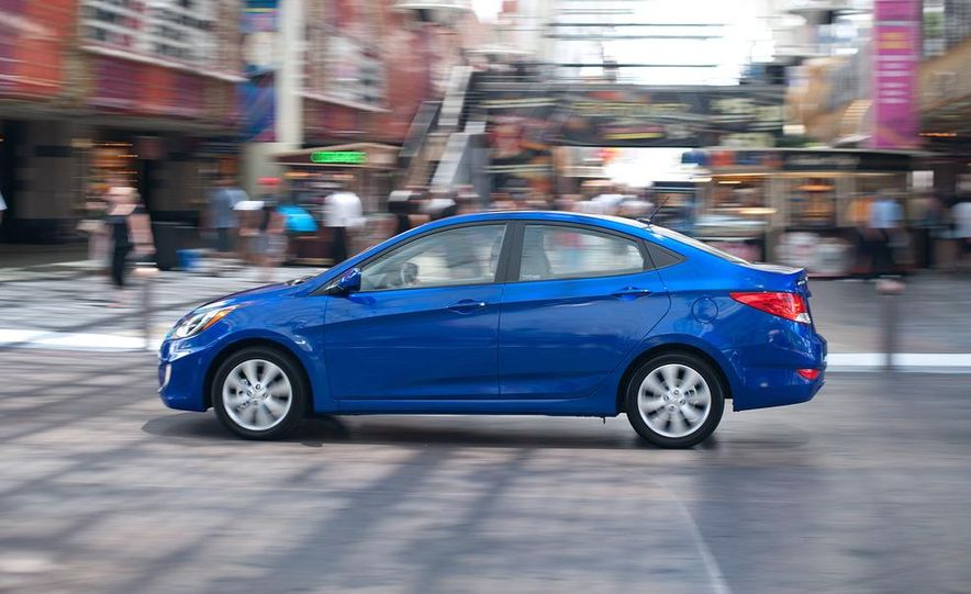 2012 Hyundai Accent hatchback and sedan - Slide 37