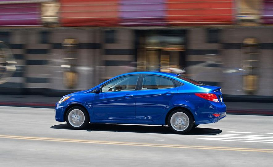 2012 Hyundai Accent hatchback and sedan - Slide 38