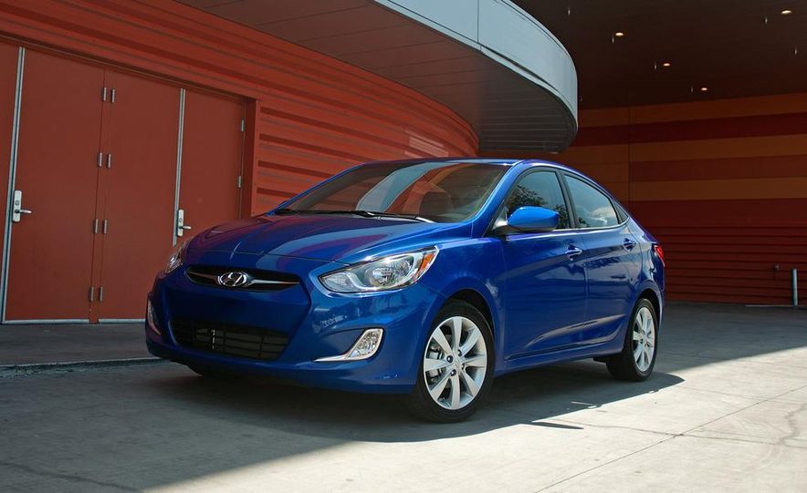 2012 Hyundai Accent hatchback and sedan - Slide 39
